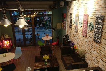 Cafe phim Chùa Láng
