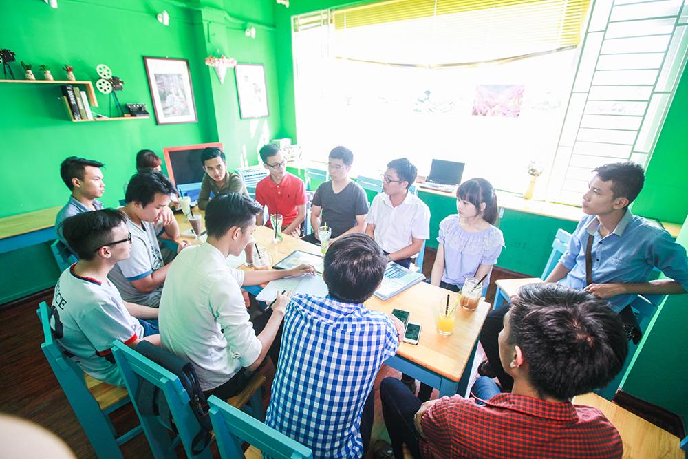 quan-cafe-phim-dong-da